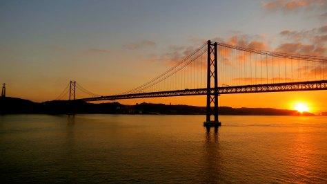 25th-april-bridge